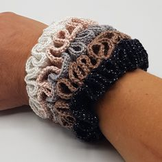 Crochet For Kids, Free Crochet, Knit Crochet, Sewing Blogs, Sewing Tutorials, Handmade Gifts For Friends, Girls Hair Accessories, Designer Pillow, How To Make Hair