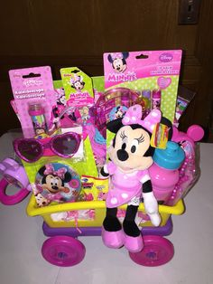 New baby girl gifts baskets minnie mouse 21 ideas Baby Girl Gift Baskets, Themed Gift Baskets, Easter Gift Baskets, Baby Girl Gifts, Raffle Baskets, Baby's First Easter Basket, Easter Baby, Minnie Mouse Gifts, Minions