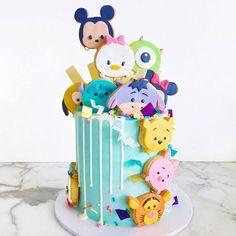 Tsum Tsum cookies on baker wifey amazing cake [ by ] Tsum Tsum Birthday Cake, Tsum Tsum Party, Beautiful Cakes, Amazing Cakes, Carousel Cake, Festa Toy Story, Disney Cookies, Tsumtsum, Disney Birthday