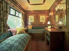 Pullman Orient Express http://www.google.fr/imgres?um=1&hl=fr&biw=1920&bih=942&tbm=isch&tbnid=Wt6CC9Hv2qnSkM:&imgrefurl=http://www.voyagerluxe.com/orient-express-presente-ses-nouveaux-itineraires-20099506.html&docid=Ledwc5mCt8xy2M&imgurl=http://www.voyagerluxe.com/photos-articles/1/610_3_media.jpg&w=500&h=375&ei=0VKAT878ONDB8QPnsv2iBg&zoom=1&iact=hc&vpx=376&vpy=607&dur=779&hovh=193&hovw=258&tx=146&ty=156&sig=117755375018666454697&page=1&tbnh=144&tbnw=195&start=0&ndsp=47&ved=1t:429,r:30,s:0,i:218