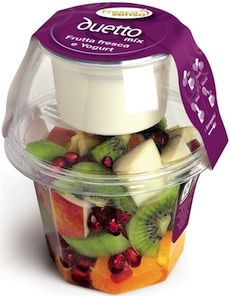 PACKAGING Salat Italian sliced fruit packaging Your Style, Your Budget Tired of ogling the latest st Salad Packaging, Food Packaging Design, Packaging Ideas, Yogurt Packaging, Food Trucks, Food Design, Healthy Snacks, Healthy Recipes, Fruit Shop