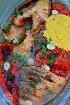 Romanian Food, Fruit Drinks, Fish Recipes, Paella, Shrimp, Seafood, Food And Drink, Meat, Cooking