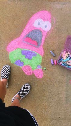 Street Art VSCO krystaleigh S u m m e r Chalk Art Art beach krystaleigh Patrick Spongebob spongebob Chalk art Street Summer VSCO Chalk Wall, 3d Chalk Art, Chalk Design, Sidewalk Chalk Art, Summer Art, Summer Beach, Art Inspo, Art Projects, Street Art