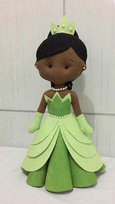 Handmade Felt, Felt Diy, Felt Crafts, Elsa Frozen, Fabric Toys, Sewing Basics, Soft Dolls, Disney Fun, Princesas Disney