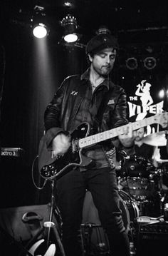 billie joe armstrong onstage at the viper room august 14, 2014