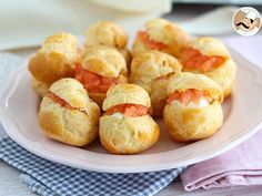 A cute appetizer to make during the holidays, perfect for salmon lovers. - Recipe Appetizer : Salmon choux appetizers by PetitChef_Official Finger Food Appetizers, Appetizer Recipes, Snack Recipes, Cooking Recipes, Snacks, Aperitivos Finger Food, Good Food, Yummy Food, Sandwich Cake