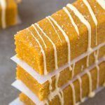 No Bake Pumpkin Spice Latte Bars. Healthy No Bake Pumpkin Spice Latte Bars packed with protein but taste like dessert! Healthy Treats, Healthy Baking, Healthy Desserts, Healthy Food, Baked Pumpkin, Pumpkin Recipes, Pumpkin Dishes, Healthy Pumpkin, No Bake Desserts