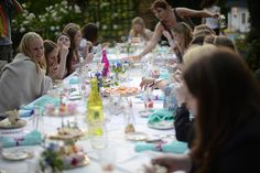 How to throw a vintage tea party #party #vintage #teaparty