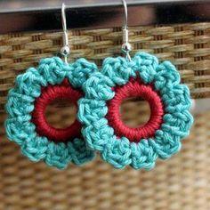 Fancy turquoise, and red flower cotton crochet earrings. Crochet Jewelry Patterns, Crochet Earrings Pattern, Crochet Bracelet, Crochet Accessories, Crochet Diy, Love Crochet, Crochet Flowers, Earring Crafts, Jewelry Crafts