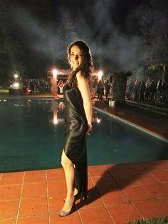 Daniela De Marco indossa l'abito di punta Clubielle, Midsummer Night's Dream, in 100% raso di seta.  Daniela de Marco wears Clubielle elegant dress, Midsummer Night's Dream, in 100% silk satin.  Abito: http://www.clubielle.com/it/abbigliamento-donna-seta/13-vestito-elegante-midsummer-night-s-dream-in-satin-100-seta.html  #clubielle #danielademarco #elegantdress #vestitoelegante #privateparty #party #black #nero #raso#satin #silk #collezione #collection