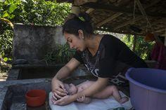 30.000 personas están amenazadas de quedarse sin agua en El Salvador por la explotación del acuífero que está realizando la embotelladora de Coca-Cola en el país.