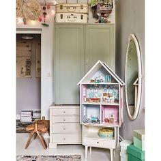 Op de blog: een echte vintage meisjeskamer! Link in bio. #kinderkamer #kidsroom #kinderzimmer #vintage #vintagestyle #interior #interieur #interieurstyling #interior4all #interior123 #bolig