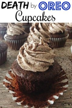 The BEST OREO Cupcakes with Oreo Cheesecake filling and topped with fluffy OREO Buttercream Frosting! An easy and quick recipe using a doctored up cake mix! #cupcakes #cupcakerecipe #oreocupcakes #easyoreocupcakes #cupcakeswithfilling #easyrecipe #dessert