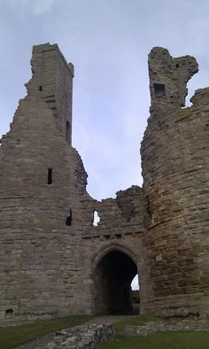 Dunstanburgh Castle, Northumberland, Eng - originally a stronghold for a powerful earl, Thomas of Lancaster.  It was completed abt 1316.  In 1461 during the Wars of the Roses, it was held by Sir Ralph Percy for the Lancastrians against Yorkist forces.  Much later later (1590's plus), it ended up in the hands of the Grey family.