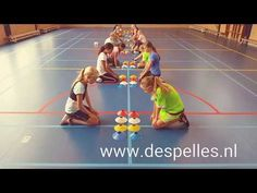 Speed Stack in de gymles! Summer Camp Activities, Pe Activities, Indoor Activities For Kids, Activity Games, Youth Games, Gym Games, Yoga For Kids, Exercise For Kids, Pe Lesson Plans