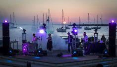 Pre-Opening Party Freakatronic. Festival BLOOP 2013. Fotografía © Marc. Señala encima de la imagen para verla más grande.