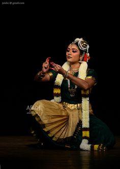 bharatanatyam dancer   indian classical dance