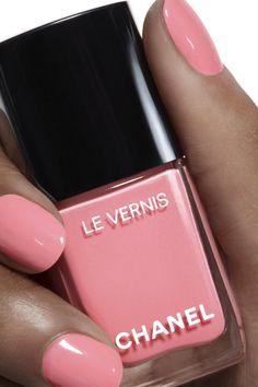 Shop the full range of CHANEL nail polish, bases, and finishes. Pink Nail Colors, Nail Polish Colors, Nail Colour, Pink Nails, Great Nails, Love Nails, My Nails, Chanel Nail Polish, Chanel Nails