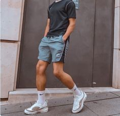 Summer Outfits Men, Stylish Mens Outfits, Sporty Outfits, Mode Outfits, Men Summer, Grunge Outfits, Simple Outfits, Summer Fun, Mode Masculine