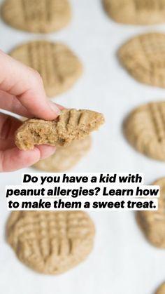 3 Ingredient Cookies, 3 Ingredient Recipes, Cookie Recipes, Dessert Recipes, Peanut Allergy, Nut Allergies, Batch Cooking, Healthy Dishes, Peanut Butter Cookies
