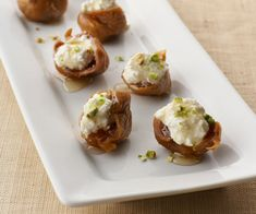 Figs with Ricotta, Pistachios and Honey