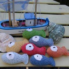 Mes poissons au crochet avec le coton natura de dmc en vente à palais belle ile by colette.poupoune