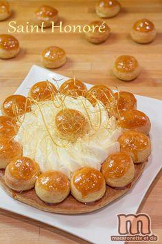 Postres - desserts - Saint Honoré - Fabrication en images - Macaronette et cie French Desserts, Köstliche Desserts, Delicious Desserts, Sweet Recipes, Cake Recipes, Dessert Recipes, Food Tags, British Baking, Think Food