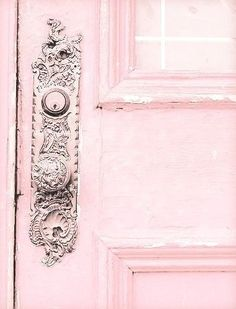 Pretty Pink Doors When it comes to home decor, really more partial to blue, myself, but something romantically charming about pink. So I wanted to share a few photos of pink doors that Pretty In Pink, Pink Love, Fuchsia, Pastel Pink, Blush Pink, Pink Pink Pink, Hot Pink, Color Rosa, Pink Color