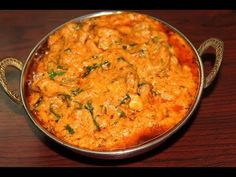 Chicken changezi recipe is a variety chicken recipe which has some mughalai flavor in it. It is an ancient recipe originated from the era of Changez khan(Genghis khan). Aloo Recipes, Spicy Recipes, Indian Food Recipes, Cooking Recipes, Ethnic Recipes, Chicken Korma Recipe, Chicken Recipes, Turkey Recipes, Eat More Chikin