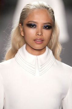 At Brandon Maxwell, hair was gelled down from the roots the mid-lengths, while the ends were curled into fluffy waves. Art Visage, Fall Hair Trends, Runway Makeup, Brandon Maxwell, Great Hair, Big Hair, Hair Day, Beauty Trends, Hair Inspiration
