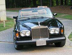 Rolls Royce Corniche Convertible. One of my most favorite cars in the world. What year is it?