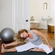 Stretch it out - 10 Ways to Ease Rheumatoid Arthritis Pain - Health Mobile Juvenile Rheumatoid Arthritis, Types Of Arthritis, Arthritis Symptoms, Stop A Cold, Cold Remedies, Autoimmune Disease, Pediatrics