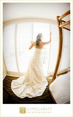 Bride, Tradewinds Island Resort, Getting Ready, Portrait, Wedding Photography, Limelight Photography, www.stepintothelimelight.com