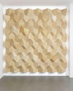 Ulrich Riedel, Eigenheimwand, Oiled wood, 275 x 285 x 22 cm, 2010