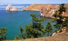 Кристально чистой водой, необыкновенными пейзажами на побережьях и богатейшим подводным миром прославилось озеро Байкал. В этих краях повышено содержание кислорода, за счет чего флора и фауна окрестностей процветает. По этой причине вода из озера считается исцеляющей и с давних пор применяется для оздоровления от всевозможных недугов.