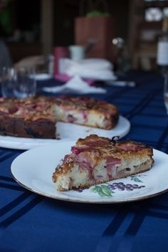 Rhubarb Almond Ginger Cake Lavender Ice Cream, Ice Cream Recipes, Food To Make, Almond, Easy Meals, Coconut, Yummy Food, Breakfast, Healthy