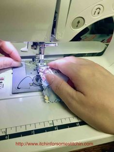 Sewing For Beginners Projects - Here's what to do when your sewing machine thread bunches up. Sewing machine thread bunching up on the top or underside of fabric is a common problem Sewing Machine Repair, Sewing Machine Thread, Sewing Machines, Sewing Notions, Sewing Machine Tension, Sewing Hacks, Sewing Tutorials, Sewing Tips, Sewing Ideas