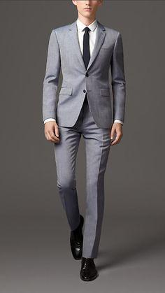 Die: Black Shoes + Lightgray Suit + White Simple Shirt + Black Satin Tie