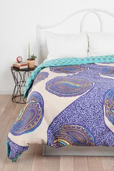 paisely pattern bedspread