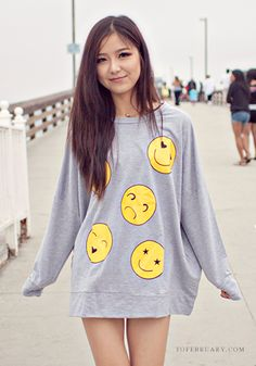 cute Oversized Smiley Top   tofebruary.com