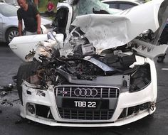 Audi TT S-Line properly mangled... OUCH!