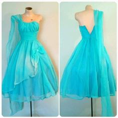 Hey, I found this really awesome Etsy listing at https://www.etsy.com/listing/250783857/the-tantalizing-teal-dress-vintage-1950s