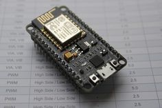 Le composant central ESP8266 : La NodeMcu est une platine de développement autour du composant ESP8266. L'ESP8266 au-delà d'un composant de communication wifi est un microcontrôleur à part entière. Il possède 14 E/S digitales et une entrée analogique,...