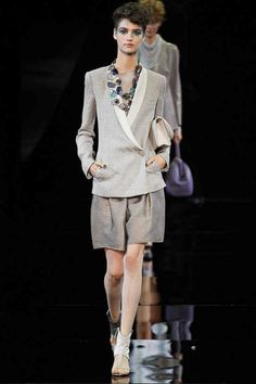 Giorgio Armani Spring 2014 Ready-to-Wear Collection Slideshow on Style.com THE BLAZER IS FAB!