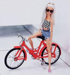 Malu, Queen e Alisha. Curtindo muito a festinha da nossa miga, parabéns miga . Barbie Life, Barbie World, Barbie And Ken, Barbie Gowns, Doll Clothes Barbie, Barbie Tumblr, Hello Barbie, Custom Barbie, Barbies Pics