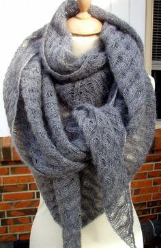 Strikkeheksen - Kraka, strikket sjal i mohair