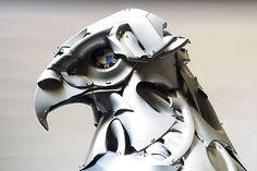 Aus Radkappen und anderem Schrott einmalige Tierskulpturen erschaffen