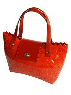 Tomato leather luxury hard paper shoulder bag Made by Gitart Gita Kolačkovská Paper Weaving, Candy Wrappers, Bag Making, Upcycle, Shoulder Bag, Handbags, Tote Bag, Luxury, Paper Bags