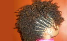I've been on the fence about Sisterlocks but this looks makes me wanna start now. ...eek!