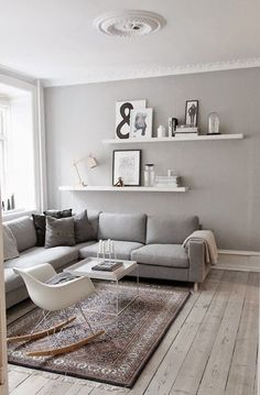 Kleine Wohnung – was nun? & Sweet Home Kleine Wohnung – was nun? & Sweet Home The post Kleine Wohnung – was nun? Apartment Living, Minimalism Interior, Interior, Home Staging, Living Room Scandinavian, Room Inspiration, House Interior, Living Room Grey, Small Rooms